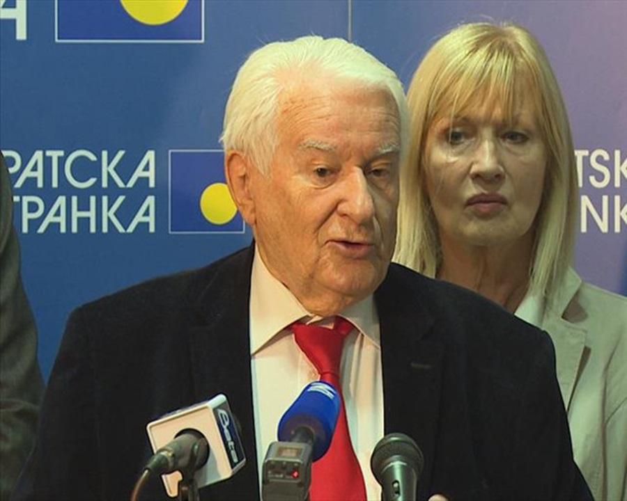 Мићуновић (ДС): Предстоји одбрана демократије, ако нисмо једнаки бићемо поданици