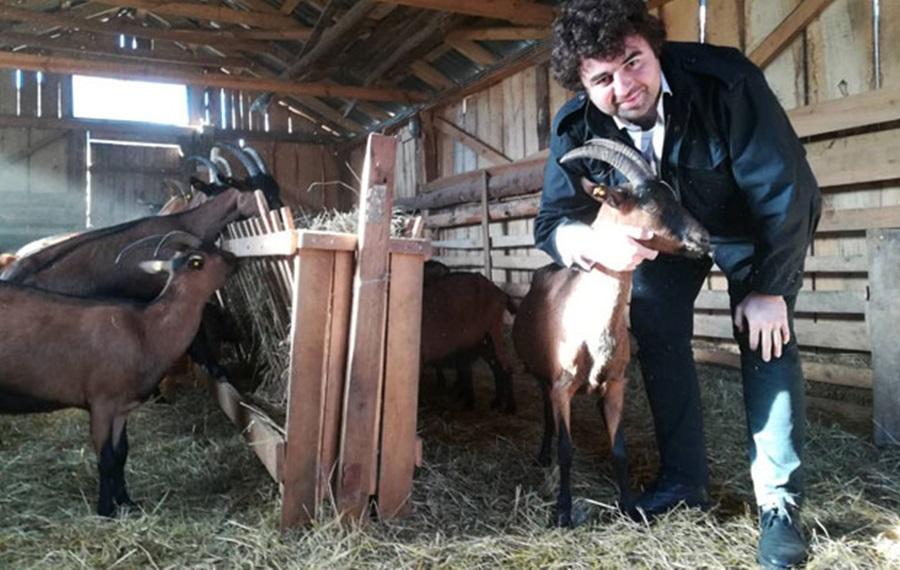 Бранко Јанковић: Миљеник публике из домаћих серија, кад не глуми, гаји козе и прави козји сир какав нема нигде у свету