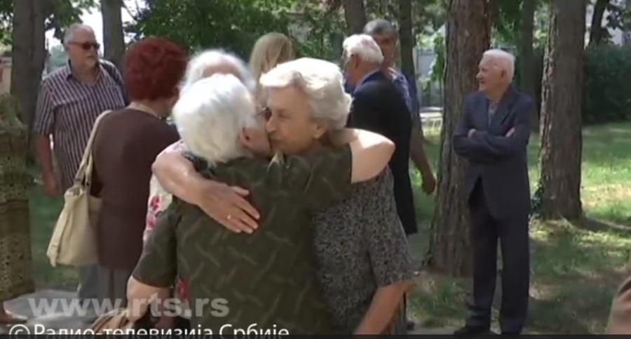 На прославу 65 година матуре учитељи повели децу и унуке