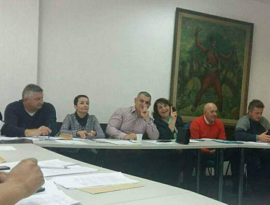 Искључени из одборничке групе, Јовановић – Јовин  тврди због сарадње са Јеремићем и употребе алкохола!