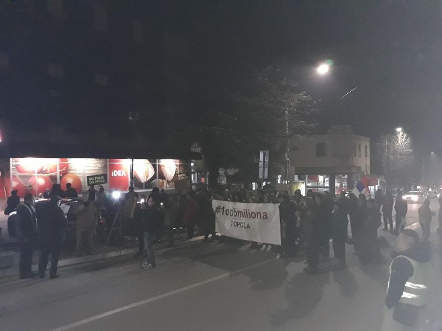 Поновљен протест у Тополи, учесници не одустају од својих захтева